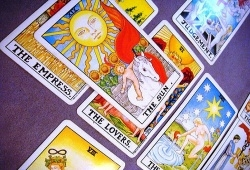 How To Read Tarot Cards For Yourself?